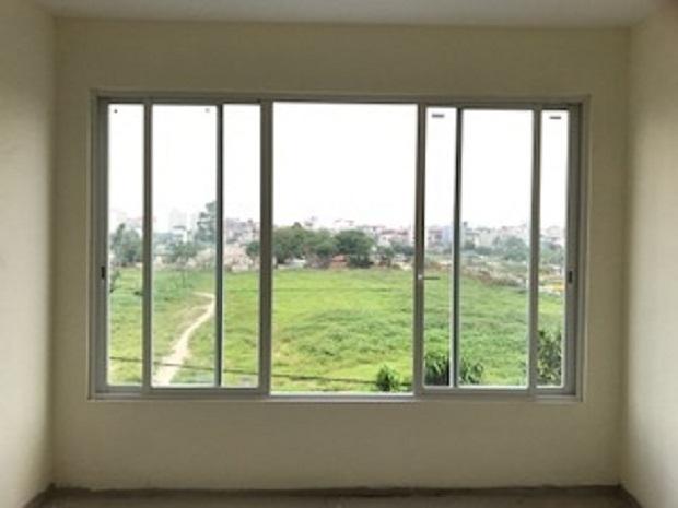 Cửa sổ mở trượt nhôm xingfa màu trắng